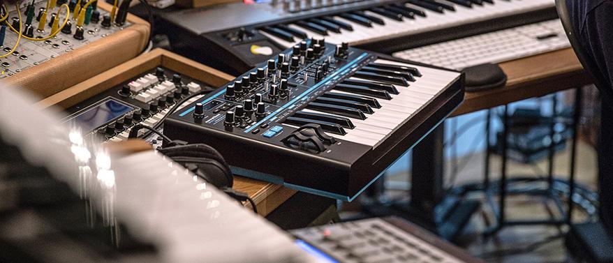 bass station 2