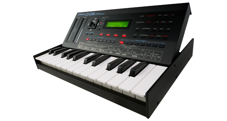Roland D-05 Linear Synth