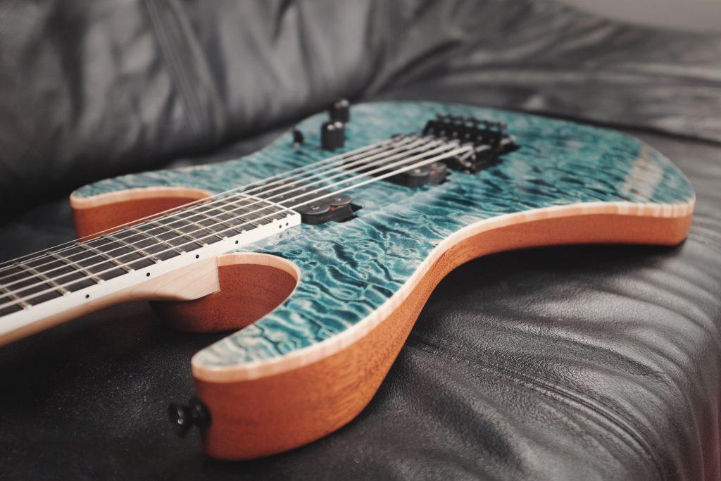 Vola Ares Guitar